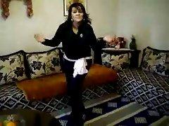 chubby arab amateur dance