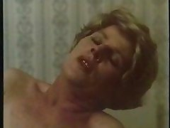 granny fucks a huge sausage,hot retro clip
