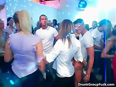 Sexy babe with great ass is dancing part5