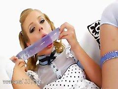 blondie princess deep toying her anus