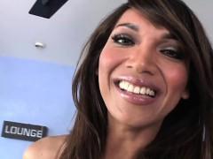 Tgirl Yasmine in hardcore bareback sex