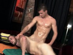 Cock gobbling masseur eats straight cock