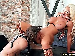 Flawless tanned bimbo milf fucked by a young dick