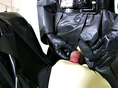 Gimp slave gets his asshole fisted as he sucks dick