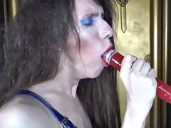 masturbation loving shemale dildoing her ass