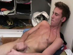 Twink Amateur Adam Leo Jacks Off