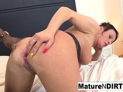 Brunette mature's ass is so tight he cums inside her