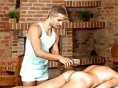Hunk receives lusty gazoo fucking during massage