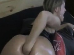 Web Cam Girl Fists Her Ass