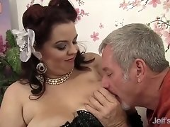 Buxom Bella - Plump and Fucked