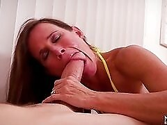 Fat dick stretches the lips of a cocksucking milf