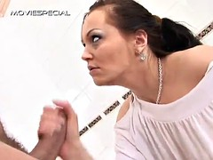 hot sex in the bathroom with the piss loving barbara el fire