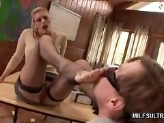 MILF Gets Her Pussy Licked