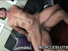 Muscle slut rubbing her clit