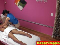 Asian masseuse wanksoff client on spycam