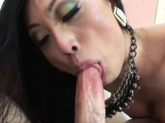 Two cocks and hard tranny makinglove