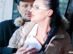 Czech girl with glasses Any Maax gets cum on pussy in the car backseat