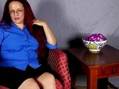 American mature secretary pleasures herself in sol