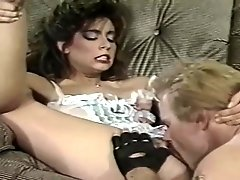 Thrilling Vintage Pornstar Loves Sloppy Cunnilingus!
