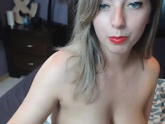 Blue Eyed Bitch got her Body Bare on Cam