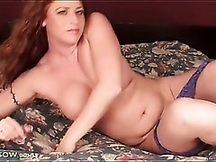Curvy milf body is sexy in lace lingerie
