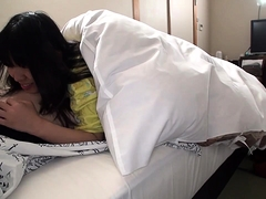 Horny Japanese girlfriend puts her lips to work on a cock
