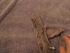 jerking on used panties